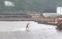 Nhà sư Thiếu Lâm lập kỷ lục chạy 125 m trên mặt nước