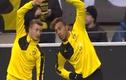 Video: Màn khởi động hài hước trong bóng đá
