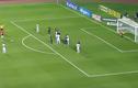 Video: Đã mắt những pha đá phạt thành bàn của thủ môn