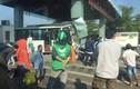 Xe khách đâm nát trạm thu phí BOT trên cao tốc TP HCM - Trung Lương