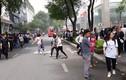 Cháy trung tâm thương mại khách hoảng loạn tháo chạy