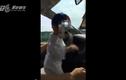 Clip sốc bố để con 1 tuổi lái ô tô ở Quảng Nam