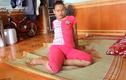 Kỳ lạ sơn nữ Hà Giang đêm bình thường, ngày bại liệt