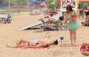 Xanh mặt với màn phi tiêu trên bãi biển
