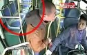 Thanh niên đầu trọc tát bôm bốp tài xế xe buýt