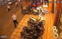 Dàn cảnh lừa bảo vệ, trộm xe máy trong 8 giây