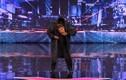 Thí sinh America's Got Talent đóng giả người máy siêu đỉnh