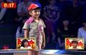 Cô bé 7 tuổi khiến Trấn Thành Việt Hương cười rớt hàm