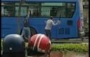 Công an triệu tập thanh niên đập phá xe buýt ở Sài Gòn lên làm việc