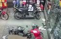Video: Trộm xe máy nhanh như chớp ở TP.HCM