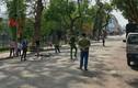 Hà Nội: Thiếu niên đi xe đạp tông cụ bà nguy kịch ở phố đi bộ