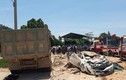 Thanh Hóa: Hiện trường xe tải đè bẹp Toyota Vios, 3 người chết
