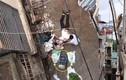 Người đàn ông nhập viện vì chiếc xe rùa từ tầng 5 rơi trúng