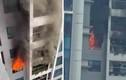 Cháy tầng 29 chung cư Goldmark City lửa ngùn ngụt, dân hoảng loạn
