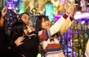 Người dân nô nức đổ về Nhà thờ Lớn Hà Nội dịp cận Giáng sinh
