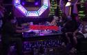 """Video: Đột kích quán karaoke lúc 1 giờ sáng, CA phát hiện nhiều """"chân dài"""" đang bay lắc"""