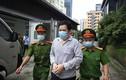 Xét xử Công ty Nhật Cường buôn lậu: Cận cảnh áp giải bị cáo vào tòa