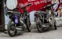 Xe máy cũ nát nhan nhản lộng hành trên phố Hà Nội