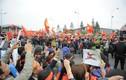 Hàng vạn cổ động viên xuống đường đón đội tuyển U23 Việt Nam