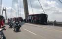 Hải Phòng: Xe khách bốc cháy dữ dội khi đang lưu thông, tài xế thoát chết