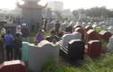 Kẻ lạ mặt đột nhập nghĩa trang, đập bể gần trăm bát hương