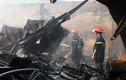 Ảnh: Cháy lớn tại khu nhà xưởng 1500 m2 của hai công ty ở Hải Dương