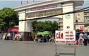 Phạt nhiều tài xế che biển số né cảnh sát trước cổng viện Bạch Mai