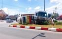 Hải Dương: Xe đầu kéo đâm lật xe buýt trên Quốc lộ 5