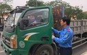 Hải Dương: Lái xe quá tải còn chống đối lực lượng chức năng