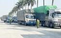 Công an Hải Dương bắt đoàn xe nghi chở 300 tấn hàng lậu