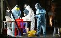 Trắng đêm xét nghiệm khu dân cư ở Long Biên vì ca nghi mắc COVID-19