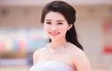 Hoa hậu Thu Thảo đẹp ngọt ngào với đầm cúp ngực