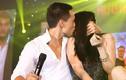 Trương Ngọc Ánh - Kim Lý hôn nhau đắm đuối tại Đà Nẵng