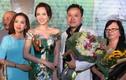 Vợ sắp cưới đến chúc mừng Victor Vũ ra mắt phim