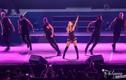 Ariana Grande ho sặc sụa tại Philippines trước khi hủy show ở VN