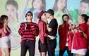 Angela Phương Trinh - Hữu Vi hôn nhau say đắm trên sân khấu