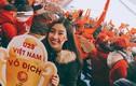 Hoá ra Đỗ Mỹ Linh đã lặng lẽ sang Trung Quốc cổ vũ U23 Việt Nam