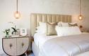 Dùng đèn trang trí phòng ngủ thế này vừa tiện dụng, vừa sang chảnh!