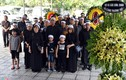Vợ nghệ sĩ Bùi Cường nằm viện khi tang lễ của chồng diễn ra