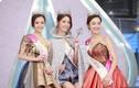 Hoa hậu Hong Kong hớ hênh lộ nội y trong đêm đăng quang