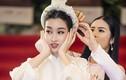 Hoa hậu Đỗ Mỹ Linh gặp sự cố trang phục được Ngọc Hân cứu nguy