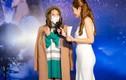 Khả Ngân đeo khẩu trang kín mít xuất hiện ở sự kiện giữa đại dịch