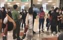 Đàm Vĩnh Hưng chỉ trích nữ khách làm loạn ở sân bay vụ cách ly