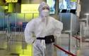 Sợ Covid-19, Chi Pu trùm trang phục bảo hộ kín mít khi đi máy bay