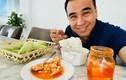 Sống trong biệt thự hơn 20 tỷ, MC Quyền Linh vẫn ăn cơm nguội buổi sáng