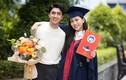 Bạn trai đến mừng Á hậu Phương Nga tốt nghiệp đại học loại giỏi