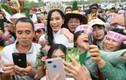 Hoa hậu Đỗ Thị Hà được chào đón nồng nhiệt khi về quê Thanh Hóa