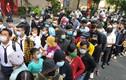 Người hâm mộ xếp hàng đông kín tiễn đưa nghệ sĩ Chí Tài