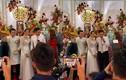 Hồ Bích Trâm đeo vàng trĩu cổ trong lễ cưới ở Quảng Ngãi