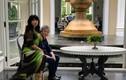 Diva Thanh Lam bên người yêu bác sĩ cầu bình an đến mọi người
